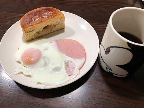 糖質制限ダイエット食べ物(底糖質パン)の食例