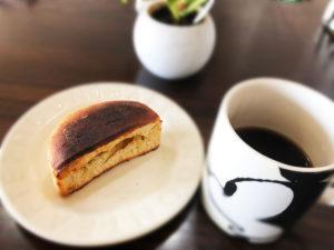 糖質制限ダイエット食べ物(底糖質パン)糖質12.6g コーヒーとの食例